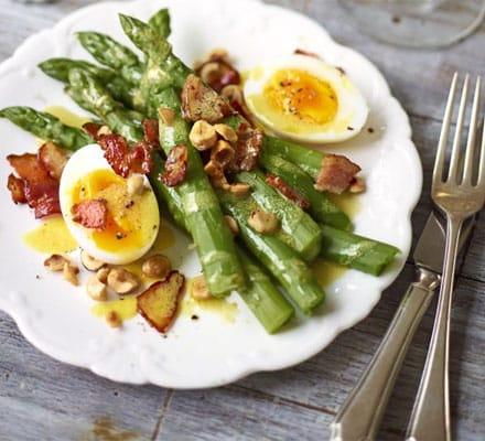 Egg, Bacon & Asparagus Salad