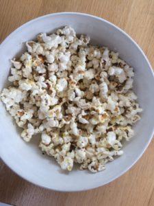 Dressed popcorn