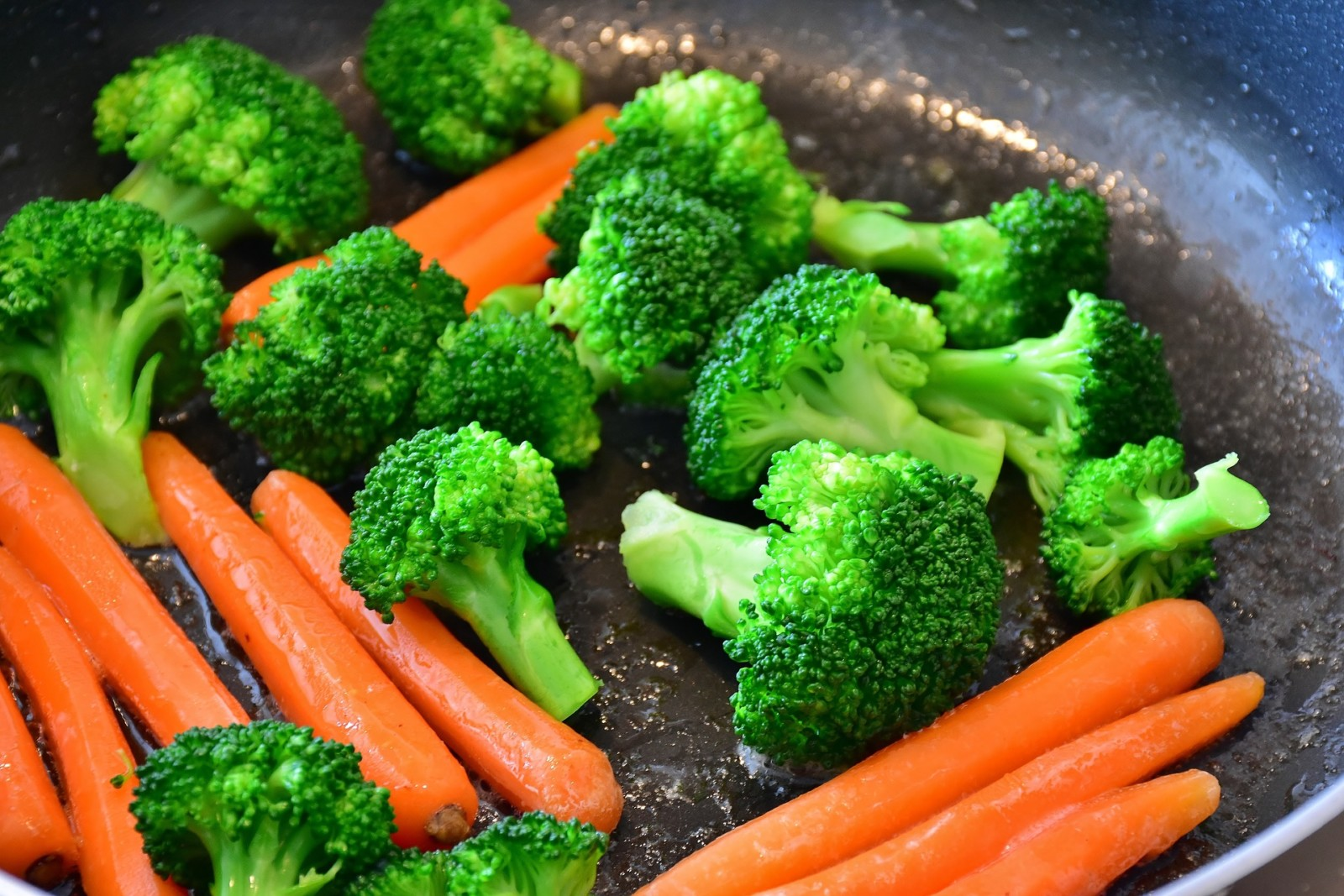 carrots and broccoli cooking