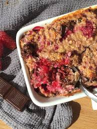 raspberry and chocolate baked oats